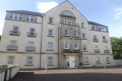 2 Bedrooms Flat for rent in Harbour Square, Inverkip