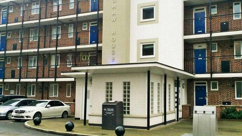 3 Bedrooms Flat for sale in Huntshaw House, Devons Road, Bow, E3