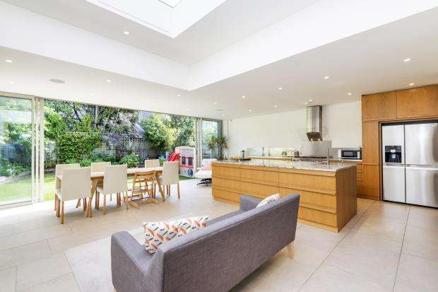 5 Bedrooms Terraced House for sale in Highgate Hill, Highgate Village, London, N6