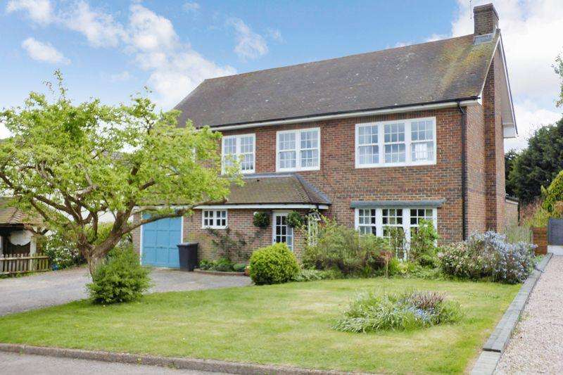 5 Bedrooms Detached House for sale in High Hurst Close, Newick