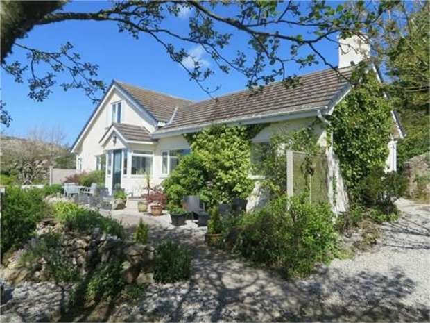 3 Bedrooms Detached House for sale in Mynydd Bodafon, Llannerch-Y-Medd, Anglesey