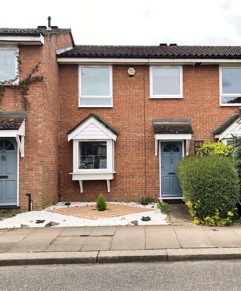 3 Bedrooms Terraced House for sale in Chivalry Road, Battersea Rise, London, SW11 1HX