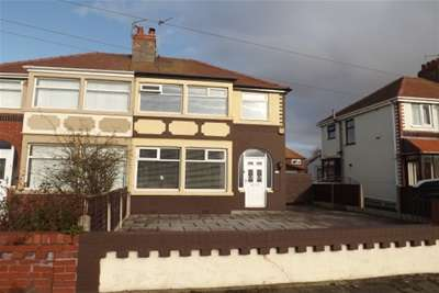 3 Bedrooms Semi Detached House for rent in Westmorland Avenue, Thornton- Cleveleys