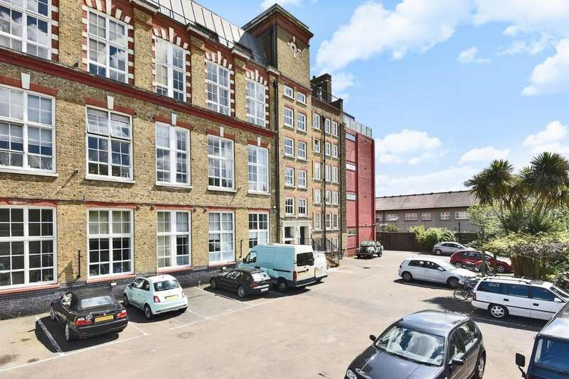 2 Bedrooms Flat for sale in Gervase Street, Peckham