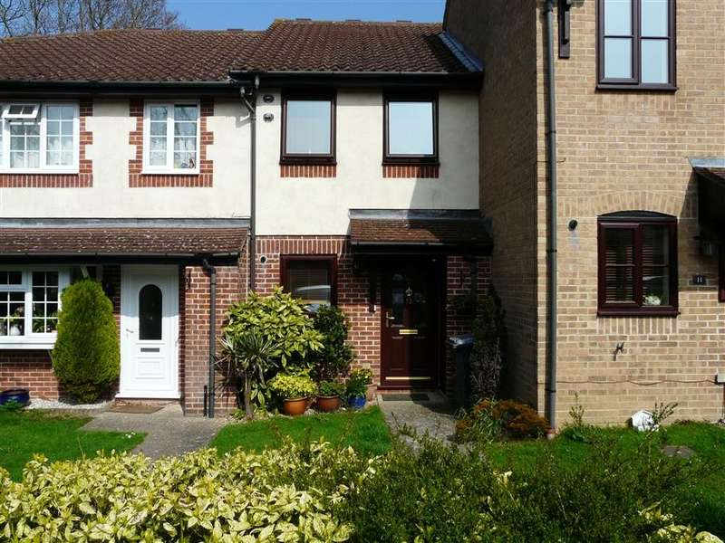 2 Bedrooms Terraced House for sale in Horseshoe Crescent, Burghfield Common, Reading, RG7