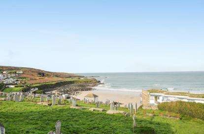 3 Bedrooms Detached House for sale in St. Ives, Cornwall