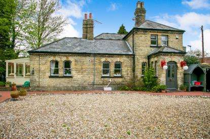 4 Bedrooms Detached House for sale in Kings Lynn, Norfolk, Extons