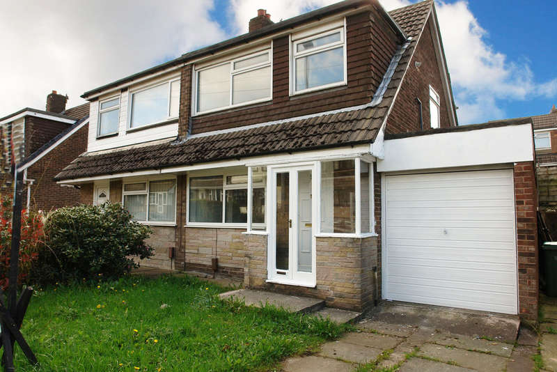 3 Bedrooms Semi Detached House for sale in Rydal Avenue, Chadderton