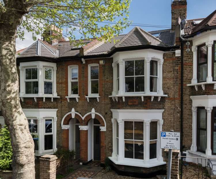 5 Bedrooms Terraced House for sale in Inverine Road London SE7