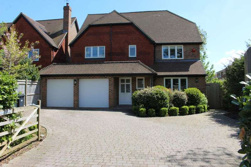 6 Bedrooms Detached House for sale in One O'Clock Lane, Burgess Hill, RH15