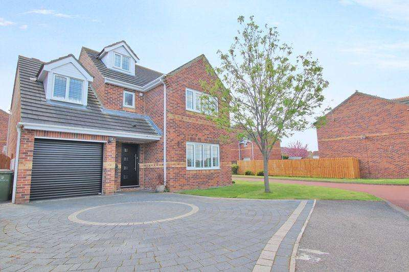 5 Bedrooms Detached House for sale in Azalia Grove, Redcar