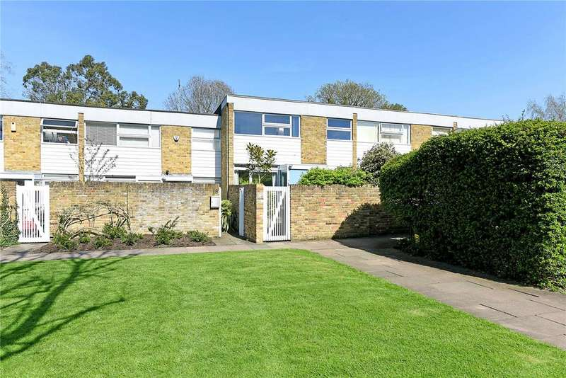 3 Bedrooms Terraced House for sale in The Plantation, London