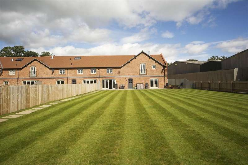 4 Bedrooms House for sale in Home Farm Barn, Chapel House Lane, Puddington, Neston