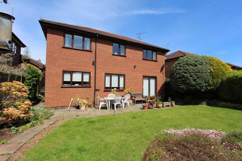 4 Bedrooms Detached House for sale in Close to school in Wrington