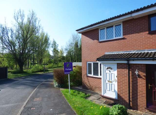 2 Bedrooms Semi Detached House for sale in Clover Field, Clayton-le-Woods, Nr Chorley, PR6