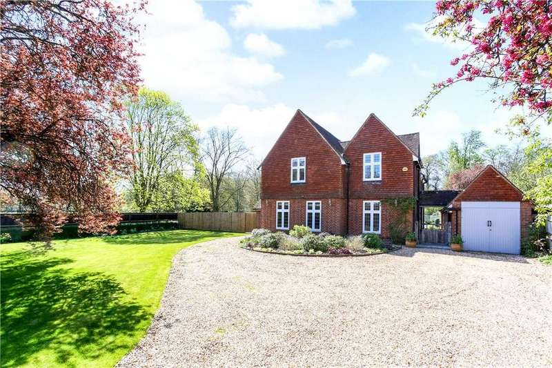 4 Bedrooms Detached House for sale in Crossborough Hill, Basingstoke, Hampshire, RG21