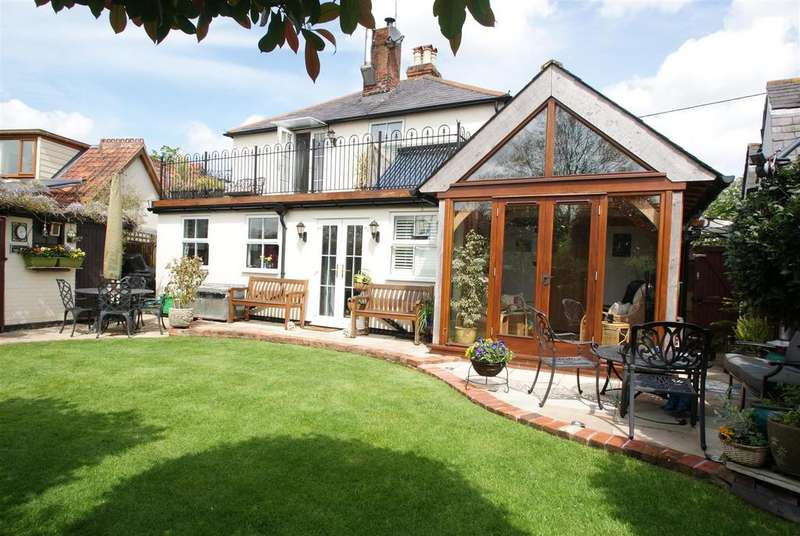 3 Bedrooms Cottage House for sale in Church Road, Rawreth, Wickford