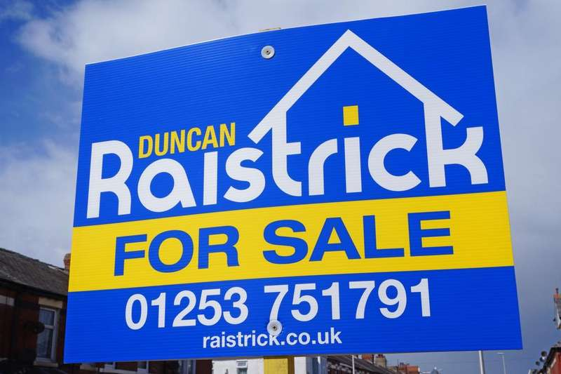 3 Bedrooms Terraced House for sale in Manchester Road Blackpool