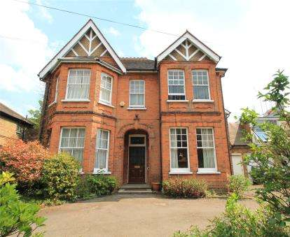 7 Bedrooms Detached House for sale in Rodway Road, Bromley
