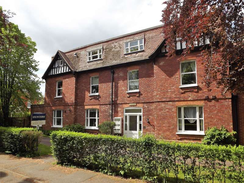2 Bedrooms Flat for sale in Cromwell Avenue, Woodhall Spa, LN10 6TH