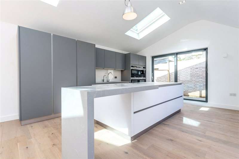 4 Bedrooms Property for sale in St James Lane Muswell Hill