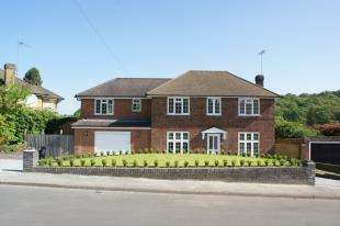 4 Bedrooms Detached House for sale in Trinity Close, Sanderstead, South Croydon, Surrey