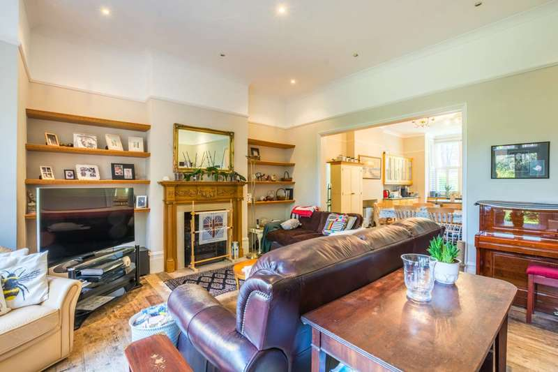 3 Bedrooms Flat for sale in Oakdale Road, Streatham, SW16