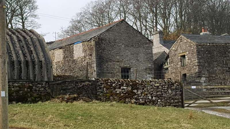 3 Bedrooms Barn Character Property for sale in Cowside Farm, Cowside, Langcliffe, Settle BD24
