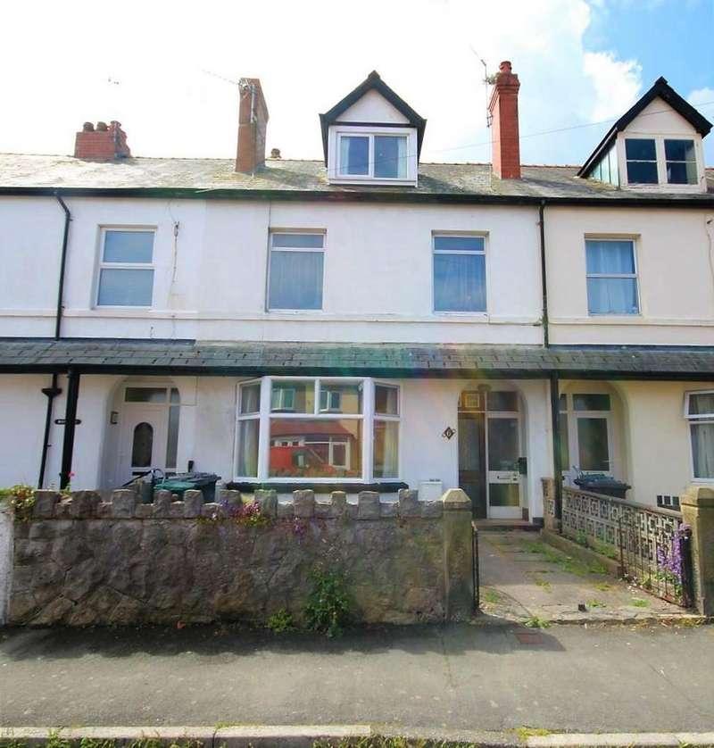 3 Bedrooms Maisonette Flat for sale in Kensington Avenue, Old Colwyn, Colwyn Bay