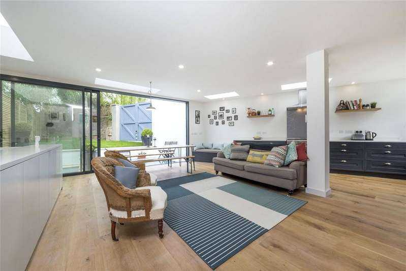4 Bedrooms Maisonette Flat for sale in Tytherton Road, Tufnell Park, London
