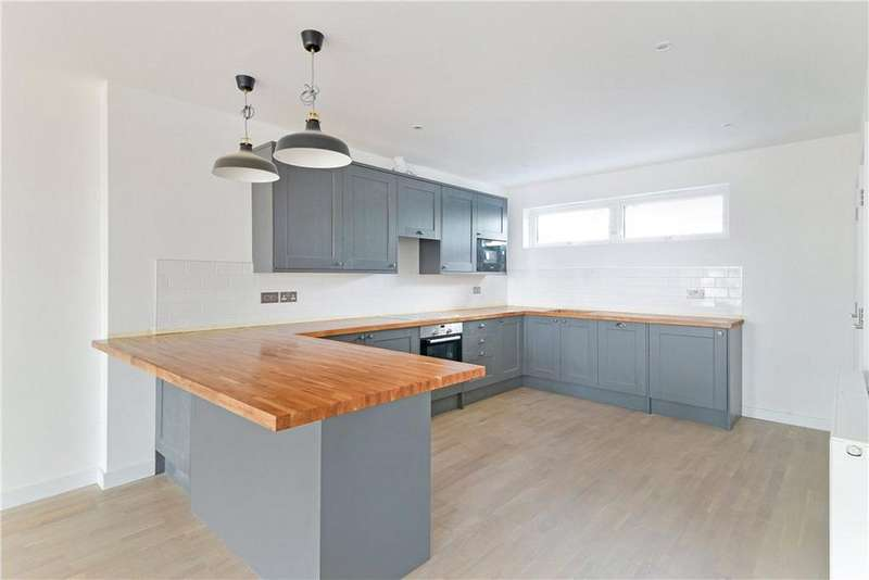 3 Bedrooms Flat for sale in Bow Common Lane, London, E3