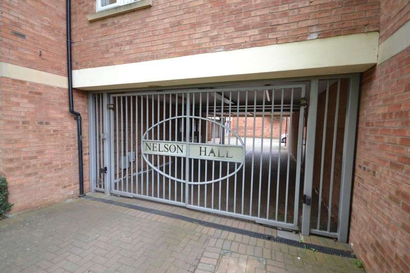 2 Bedrooms Flat for rent in Leicester Street, Northampton, NN1