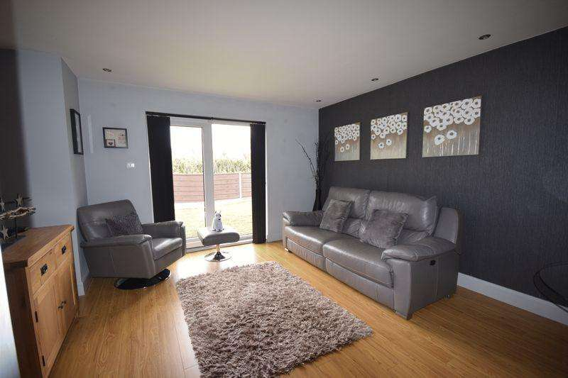 2 Bedrooms Apartment Flat for sale in Ermington Court Edgerton Street, Heywood