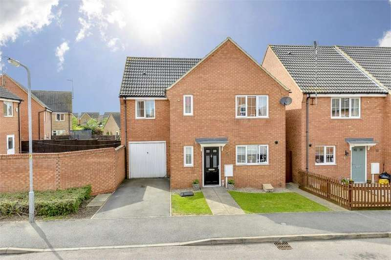 4 Bedrooms Detached House for sale in Jackdaw Road, Oakley Vale, Northamptonshire