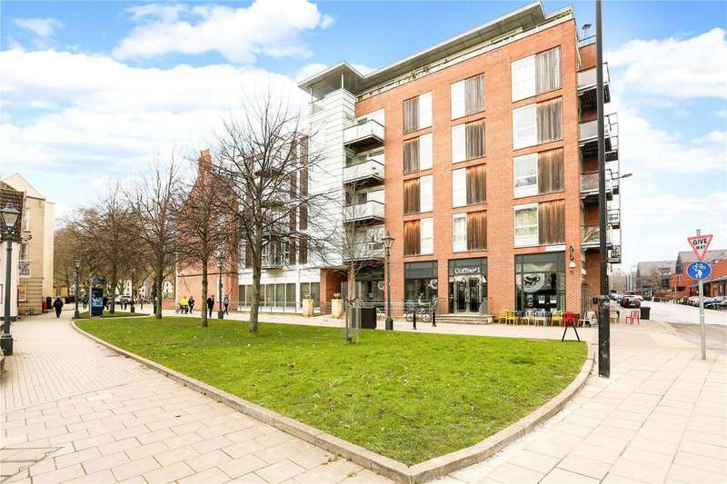 1 Bedroom Flat for sale in Queen Square Apartments, Bell Avenue, Bristol, BS1