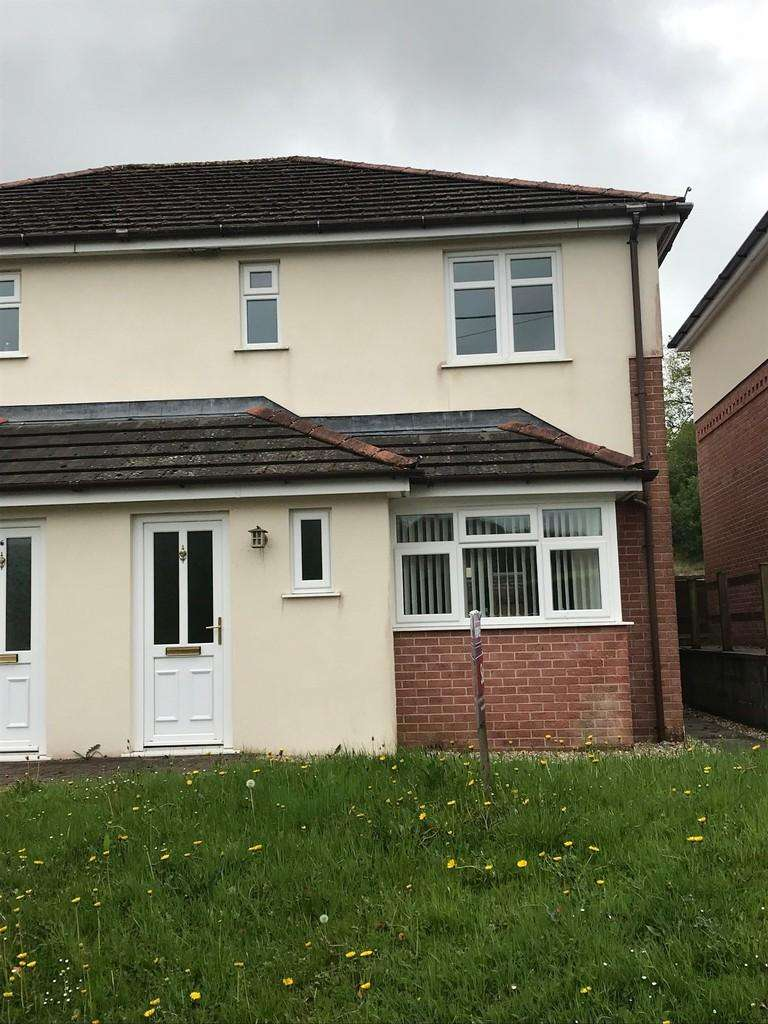 3 Bedrooms Semi Detached House for rent in Llys Y Bugail
