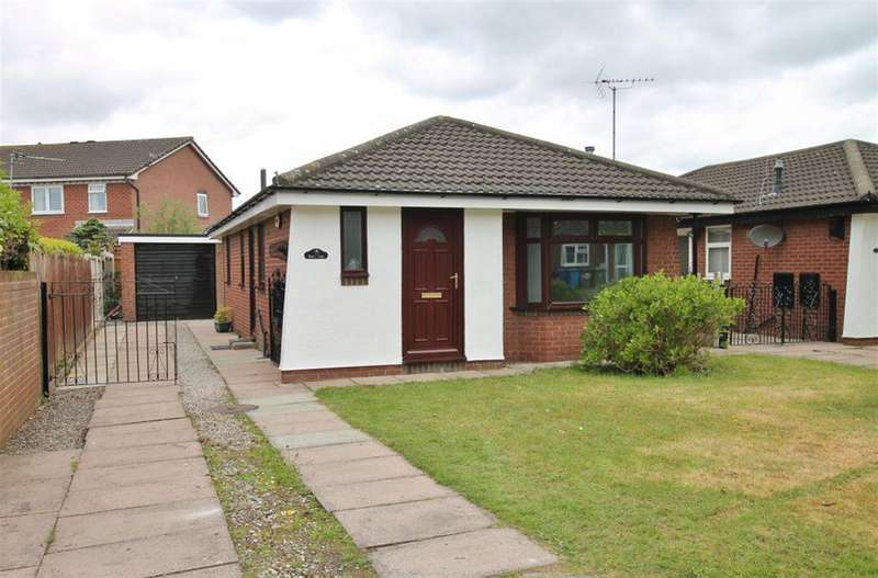 2 Bedrooms Bungalow for sale in Burnsall Drive, Widnes, Cheshire, WA8 4SE