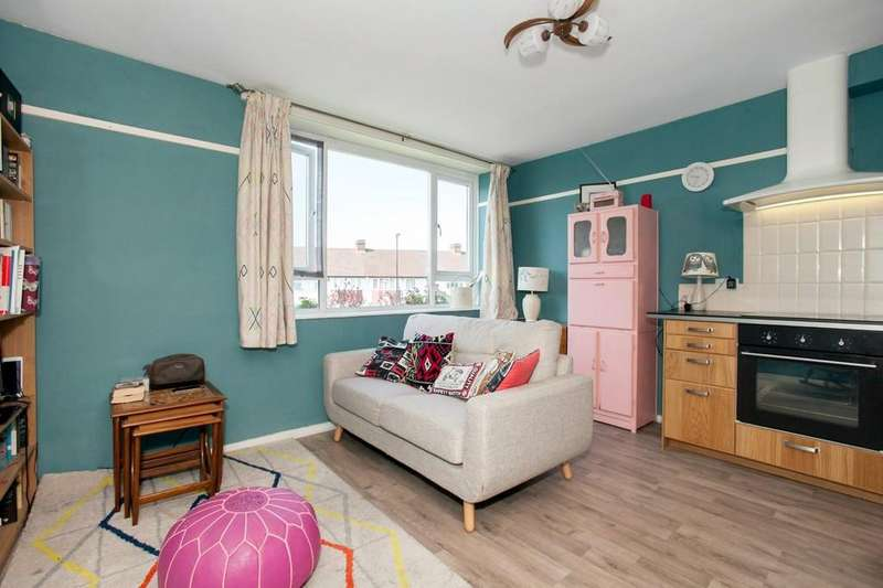2 Bedrooms Flat for sale in Brockley Grove, Brockley, London