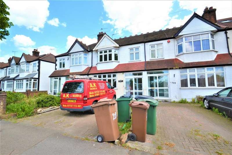 4 Bedrooms House for rent in Hall Lane, Chingford, E4