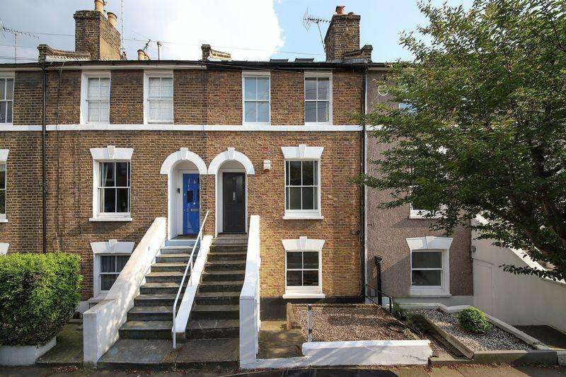 3 Bedrooms Terraced House for sale in Calvert Road, Greenwich, SE10