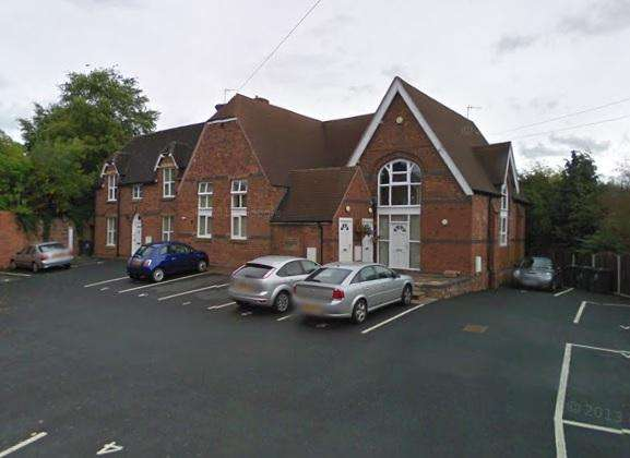 2 Bedrooms Apartment Flat for rent in Church Court, Church Road, Swindon DY3