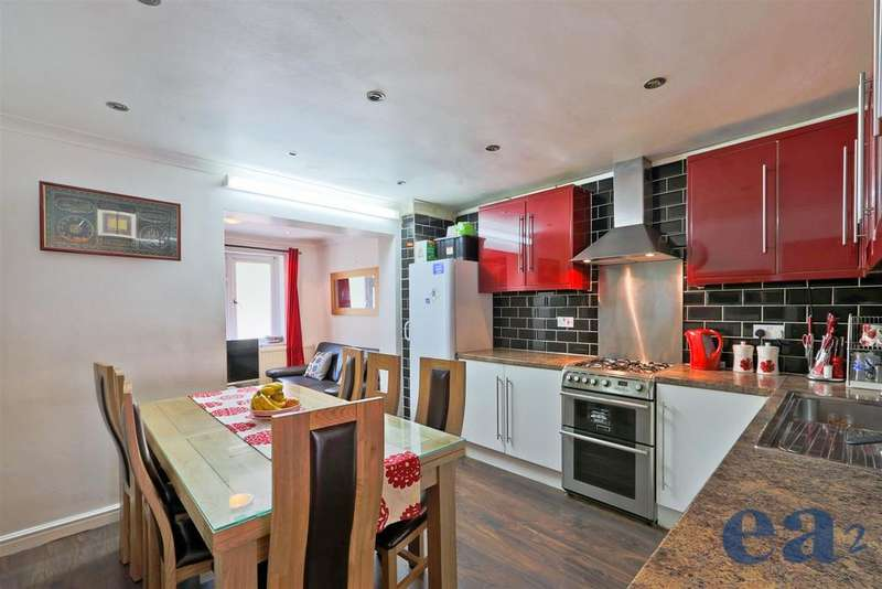 4 Bedrooms Terraced House for sale in Crofts Street, London