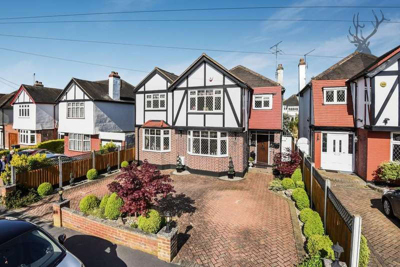4 Bedrooms House for sale in Lechmere Avenue, Chigwell, IG7