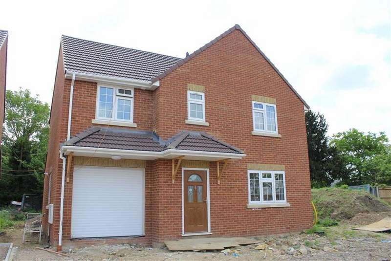 4 Bedrooms Detached House for sale in Upton Place, Slough, Berkshire