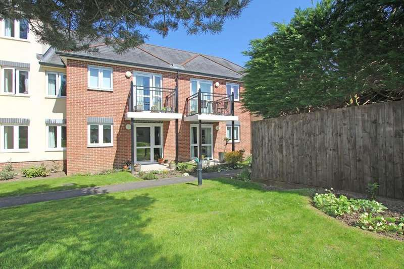1 Bedroom Retirement Property for sale in Clarks Court, Cullompton, EX15