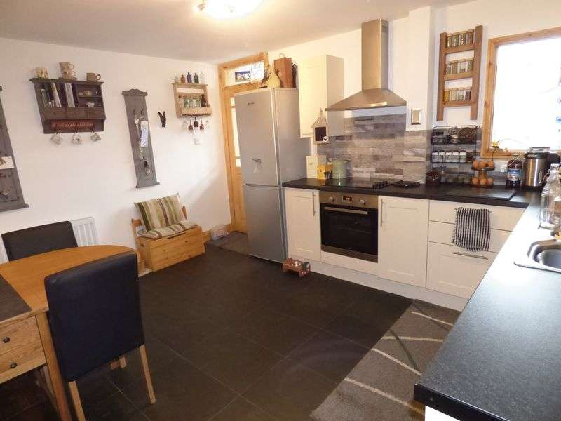 3 Bedrooms Property for sale in Mint Dale, Kendal