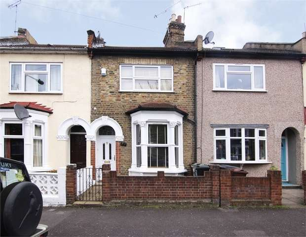 3 Bedrooms Terraced House for sale in Wellington Road, Walthamstow, London