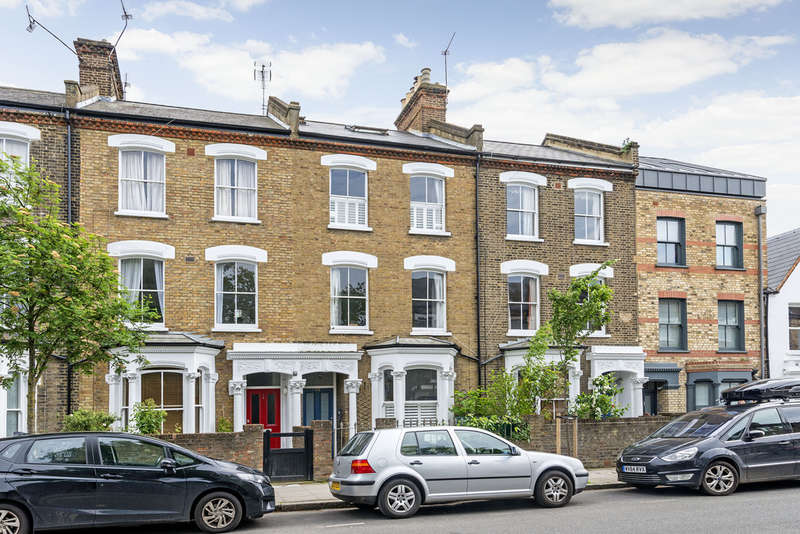 5 Bedrooms Terraced House for sale in Gillespie Road, N5 1LR