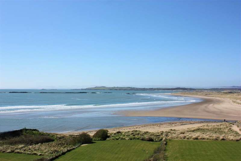 3 Bedrooms Apartment Flat for sale in Rhosneigr, Anglesey LL64