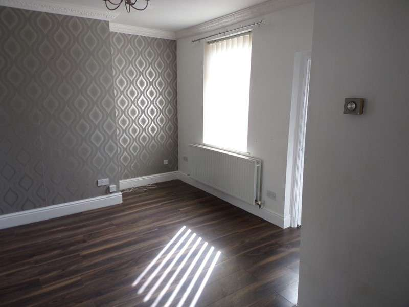 3 Bedrooms Property for sale in Roger Street, Blackhill, Consett, Durham, DH8 5SX